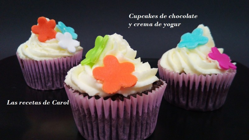 Cupcakes de chocolate decorados