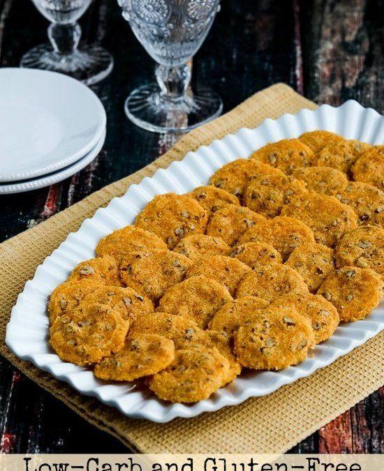 Patatas fritas bajas en carbohidratos y sin gluten de almendras y nueces de cheddar (video)