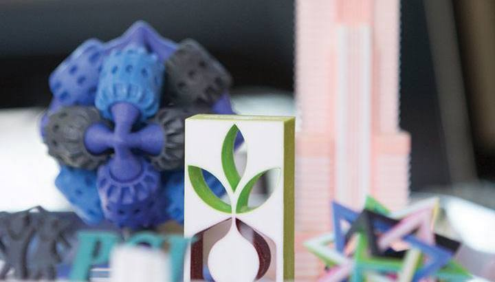 "U student startup ""Elevate Designs"" combines art with 3D printing."