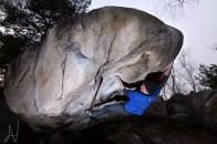 Fontainebleau boulder Arabesque 7b+ mantle Font Bleau