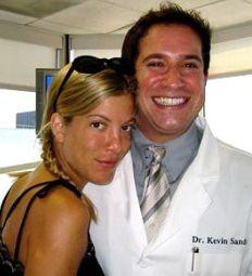 Tori Spelling, Dr. Kevin Sands