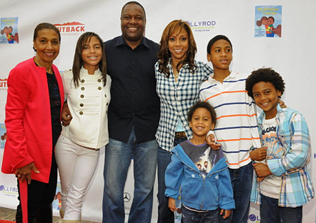 Ryan Elizabeth Peete, Rodney Peete Holly Robinson Peete and family.
