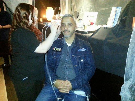 Wounded Warrior hero Paul De La Cerda get a haircut.