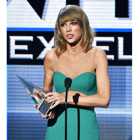Taylor Swift Dick Clark Award AMAs