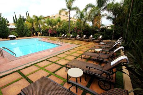 Hollywood-Hotel---Pool---Wi