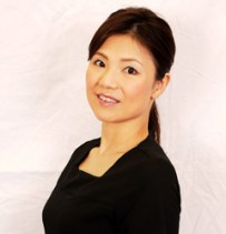 McCoy's instructor, Chiaki Murakawa is an official beauty consultant of Miss World Japan 2015.