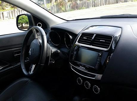 2015 Mitsubishi Outlander Sport SE AWC dashboard