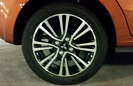 2017 Mitsubishi Mirage wheels
