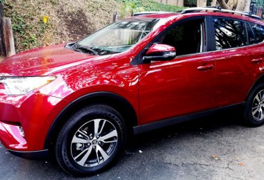 Best-Ever 2018 Toyota RAV4 XLE - A Car Review