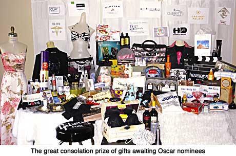 Distinctive Assets Oscar Gift Bag
