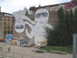 Der Graffiti Künstler Blu schafft das Unmögliche: Seine Figuren durchbrechen sämtliche Grenzen des Urban Jungle