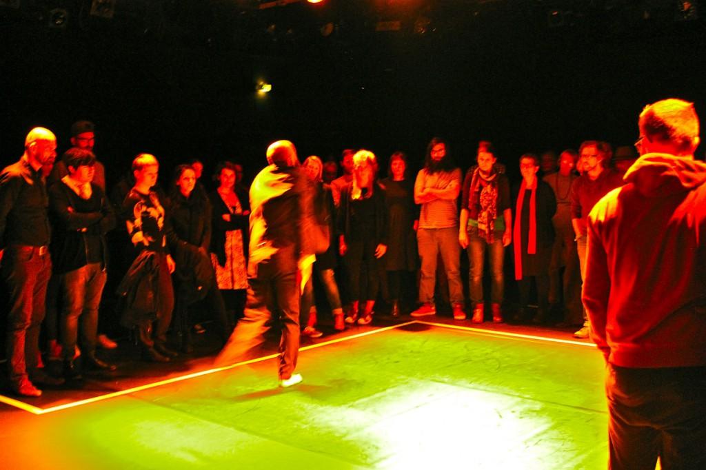 Mohammed Fouad bei der Aufführung. / Foto: Didi Stahlschmidt