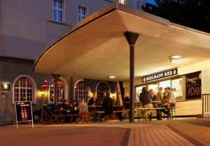 Neben dem Adlerkiosk der hipste Kiosk in town: Der Bergmannkiosk am Wall. / Foto: Bergmann Brauerei