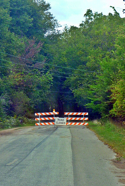 Great River Road CLOSED