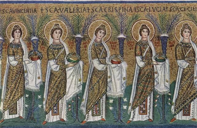 Santa Lucia in un corteo di sante, dal mosaico di Sant'Apollinare Nuovo a Ravenna.