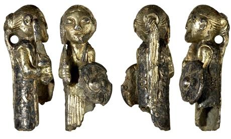 Spiriti di guerra ...ciondoli in argento, Valkyrie, IX secolo dalla Danimarca. Fotografia: Museo Nazionale di Danimarca