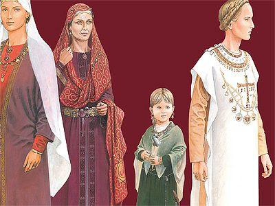 Illustrazione della mostra Königinnen der Merowinger presso il Museo Archeologico di Francoforte. Da sinistra Wisigarda, Arnegunda, una nobile bambina e Bathilde
