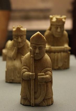 """Uno dei """"vescovi"""" del set di Lewis. (Foto: Sarah Ross)"""