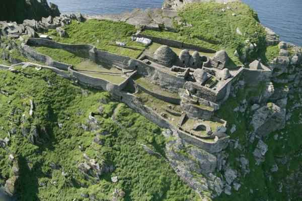 L'eremo di XII - XII secolo a Skellig Michael, Contea Kerry, Irlanda (Foto: http://www.worldheritageireland.ie/)
