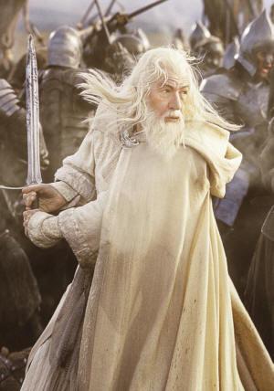 Gandalf con la spada Glamdring