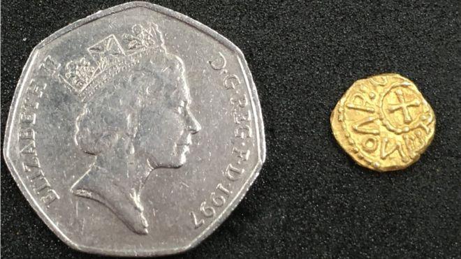 La piccola moneta è stata trovata a Fulford alla periferia di York (Foto: BBC.com)
