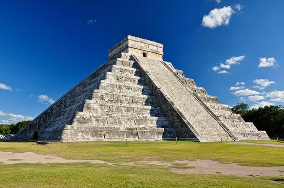 La piramide El Castillo a Chichen Itzà (Foto: jgorzynik | shutterstock)