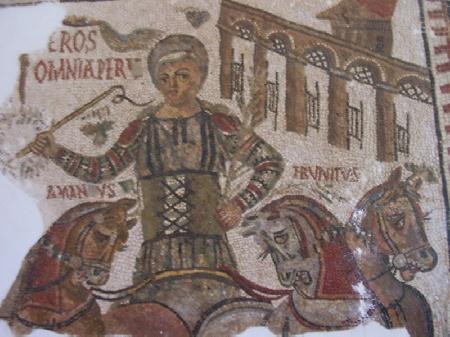 Particolare di mosaico raffigurante la corsa di cavalli nel circo, da Gafsa, Tunisia, VI secolo