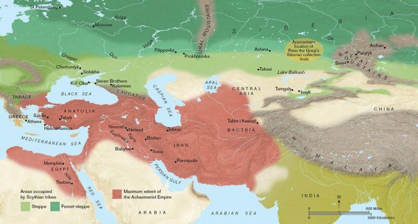 Una mappa dell'Eurasia che mostra l'estensione dell'impero Achemenide (in rosso) e le aree steppiche e boschive eurasiatiche e occupate in gran parte dagli Sciti (in verde). (Mappa da Paul Goodhead)