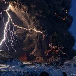 Eruzione del vulcano Eyjafjöll, fotografata da vicino nel 2010. (Foto: Sigurður Stefnisson)