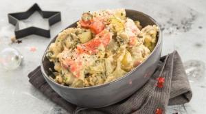салат с лососем рецепт, салат с лососем пошаговый рецепт, салат с лососем как приготовить, салат с лососем на Новый год 2018, чем заменить селедку под шубой, чем заменить салат мимоза