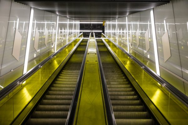 View looking up escalators at Canary Wharf station 301449 600x400 - 16 new photos show off Crossrail stations and tunnels