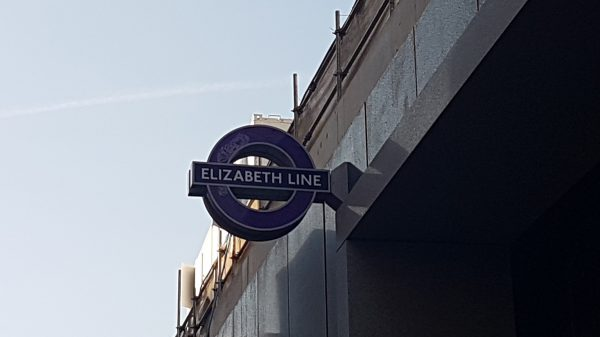 elizabeth line tcr 03 600x337 - Sneak preview of Crossrail's new Tottenham Court Road station
