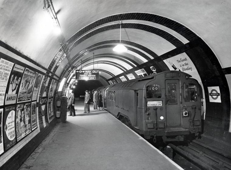 aldwych 1958 copyright tfl 1024x753 - Inside the abandoned central London Tube stations which survive to this day