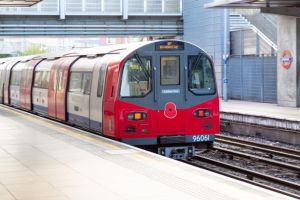 0 Poppy TFL tube - How London Underground trains turn round when they reach the end of the line