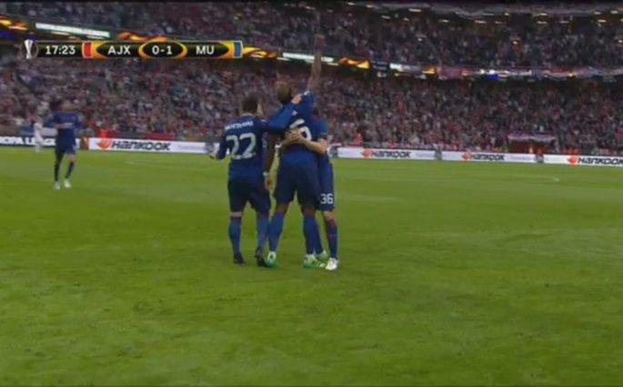 Paul Pogba ouvre le score pour Manchester United contre l'Ajax