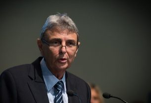 'Now is the time!' Dave Prentis tells conference