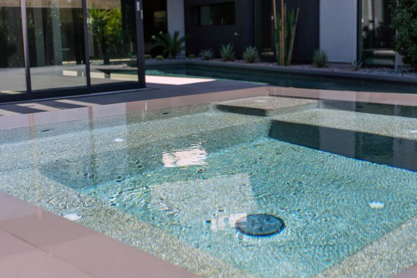 Close-up of Perimeter-Overflow Hot Tub Design - Custom Swimming Pool Design Contractor of Southern Nevada