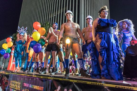 2016-PrideParade_250