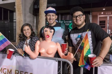 2016-PridePreParade_005