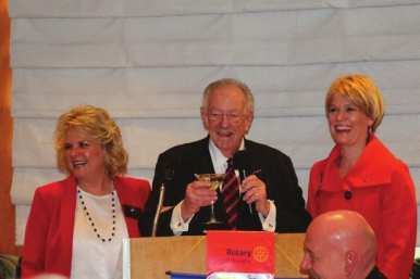Oscar Goodman is honored and accompanied by his temporary Showgirls guest Lisa Ferrell and our member Sarah Brown.