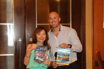 Howie exchanged banners with our visitor Barb Izza from Tampa.
