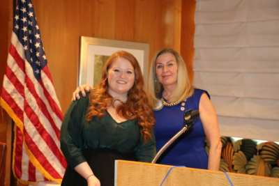 President Jackie presented our speaker Kimberly Mull with our Share What You Can Award.