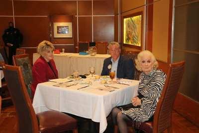 Las Vegas Mayor Goodman joins the head table