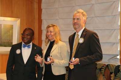 Kim Nyoni delivers major donor awards to PP Jim Kohl and Judith Kohl