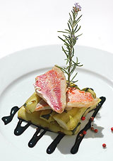Filets de rougets en escabèche de courgettes
