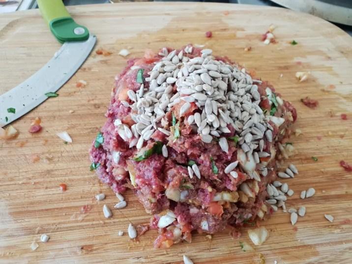 6/ajoutez les graines et mélangez