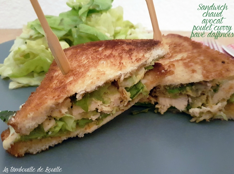 sandwich-chaud-avocat-poulet-curry-pavé-daffinois