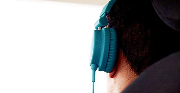 Podemos escuchar una conversación a 400 metros de distancia.
