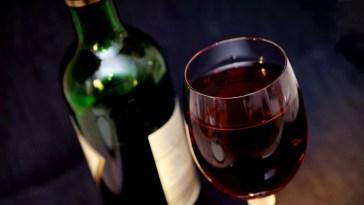 un vaso de vino