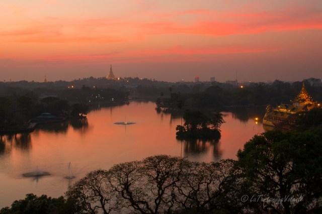 Viaggio in Myanmar Lago a Yangon
